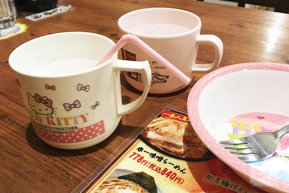 札幌春一家本店の子ども用食器