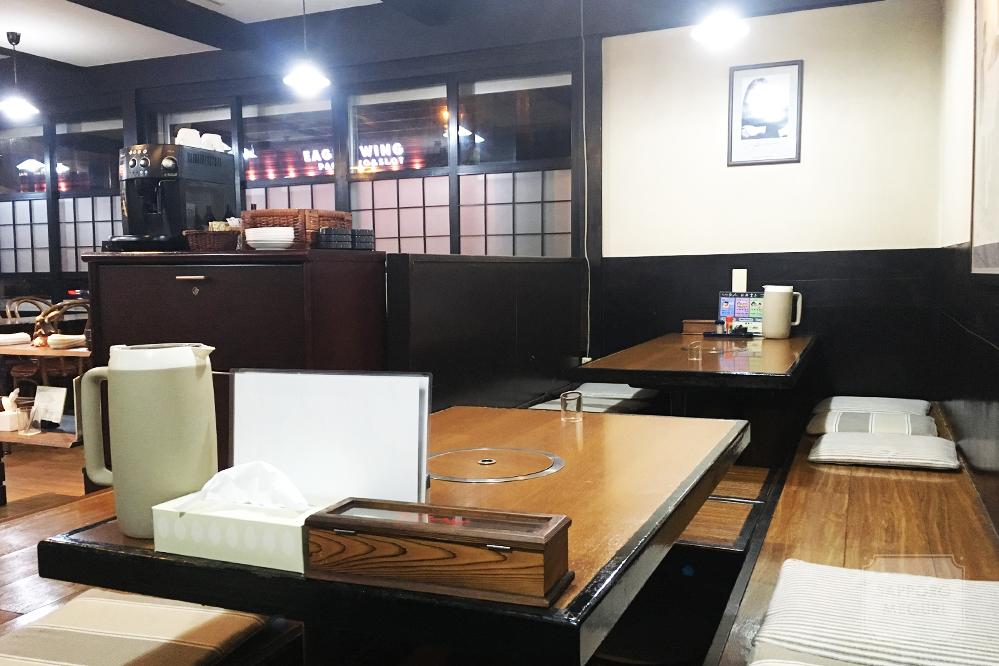 札幌市東区のラーメン今人の内装