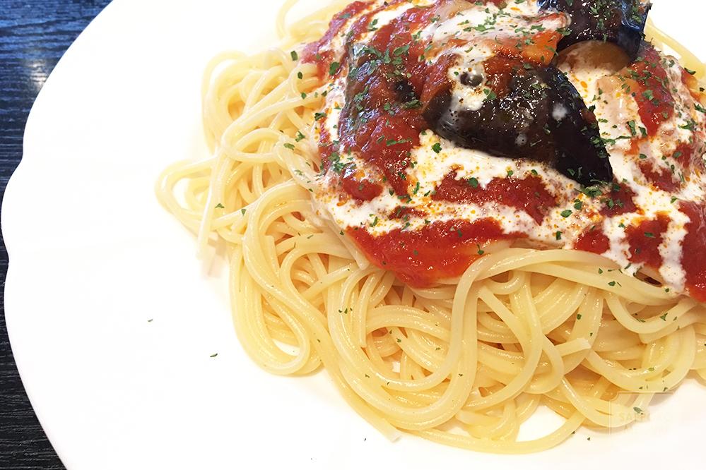札幌スパゲティハウスディスワンのなすとベーコンのトマトソース
