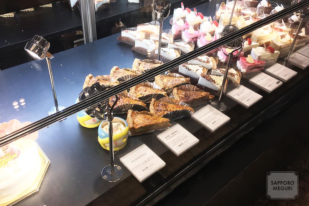 ケーキアンドカフェコレット本店のショーケース