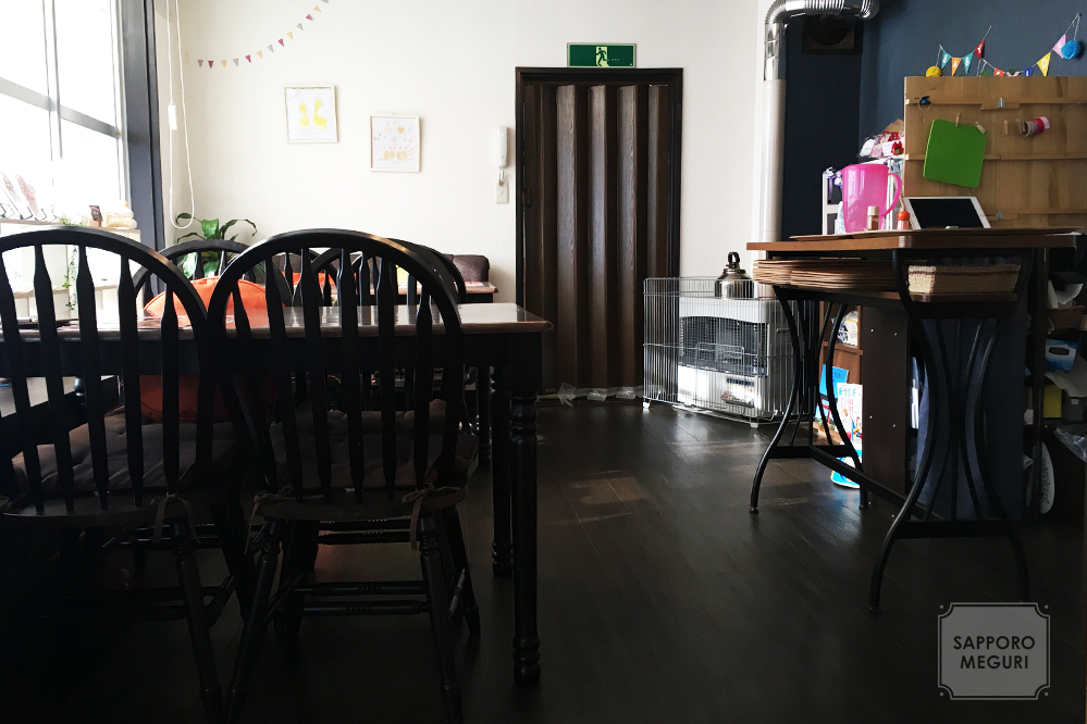 カフェ日和の店内