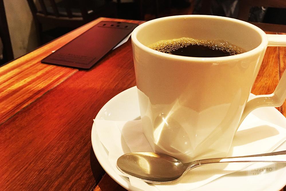 赤れんがテラス地下1階のカフェよしみのコーヒー
