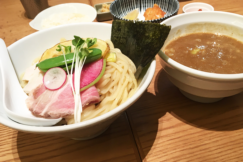 銀座篝札幌店の濃厚鶏煮干つけsoba
